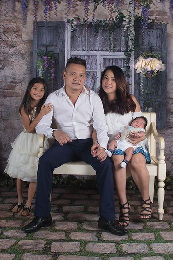 Jenny family2.jpg