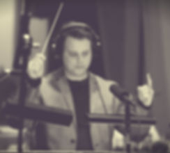 Jonathan Keith conducting