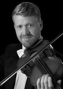 Viola-Dan-Urbanowicz-TEMP BW 9946-214x30