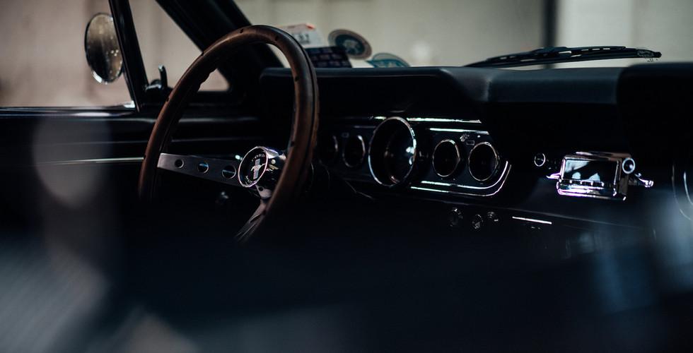 Mustang_03_Armatur.jpg