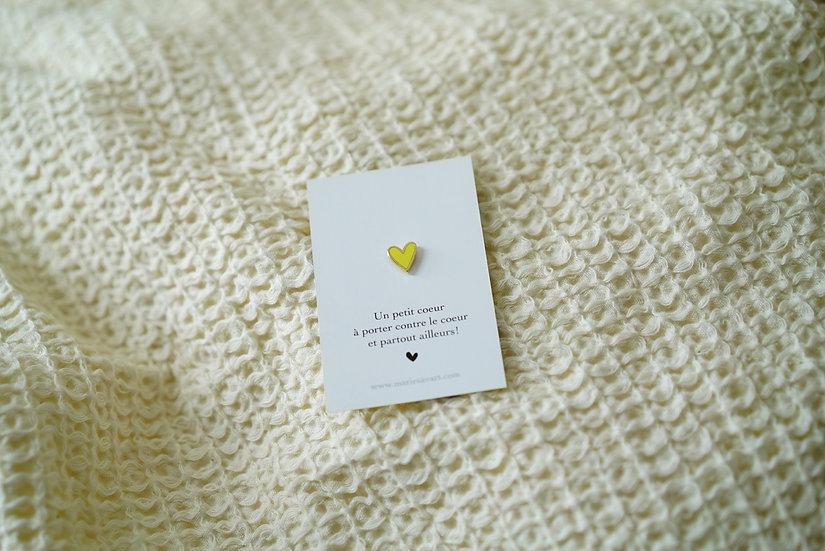 Pin's petit COEUR jaune