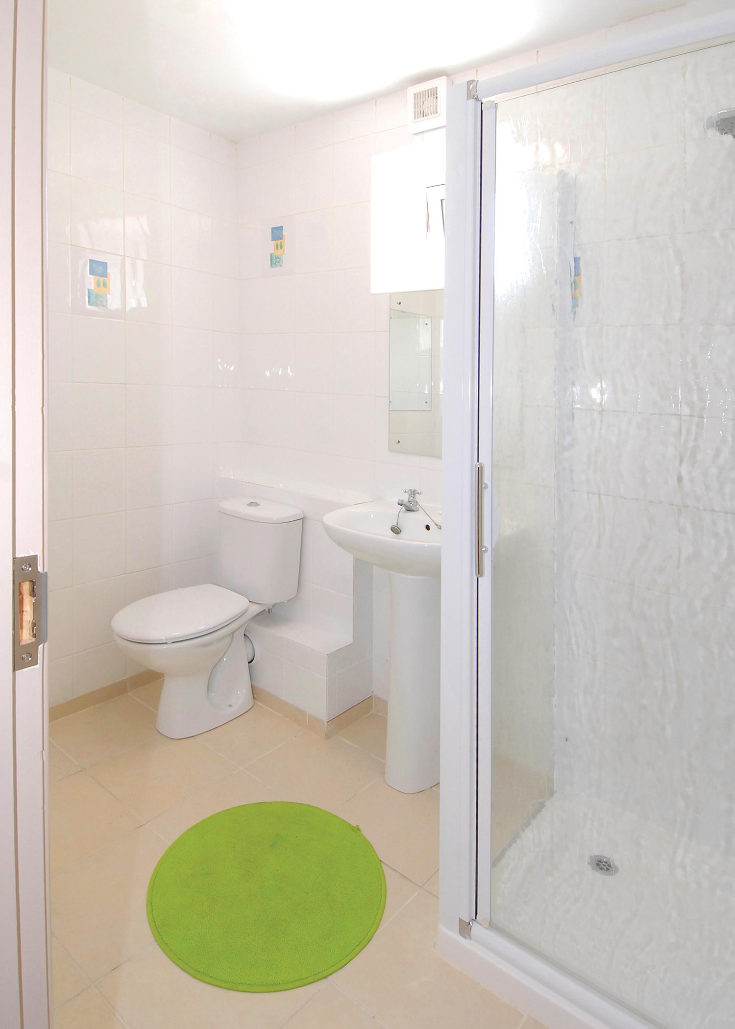 bathroom_8616377058_o.jpg