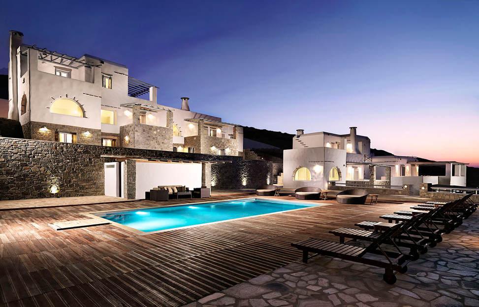 Villa Mira Exterior 2.jpg