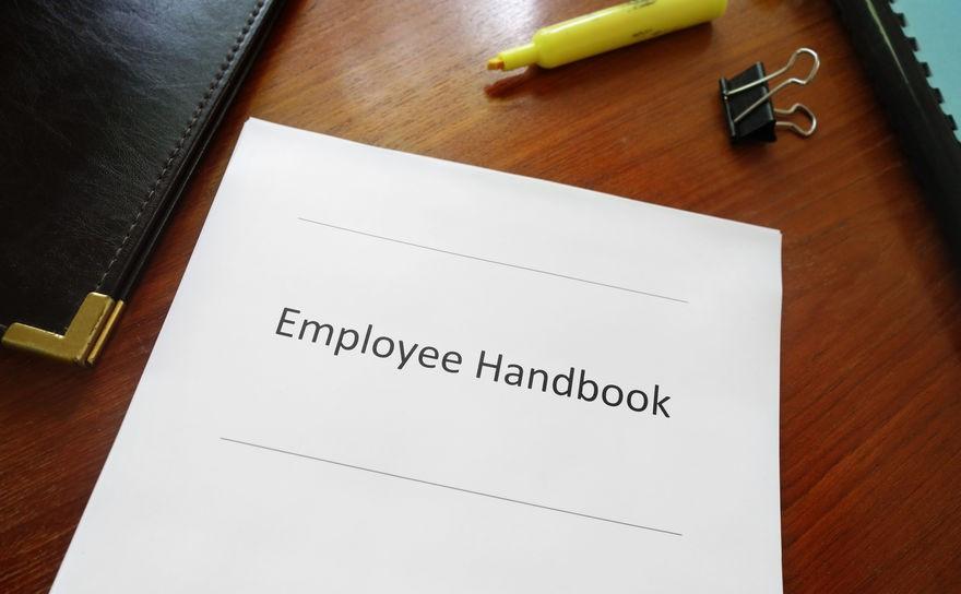 4 Benefits of Employee Handbook Translation Services