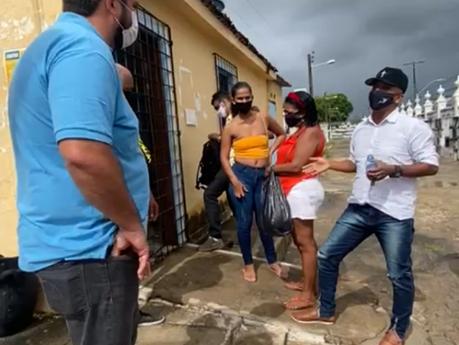 """""""É um estado de calamidade e desrespeito"""", afirma Leonardo Dias durante fiscalização em cemitério"""