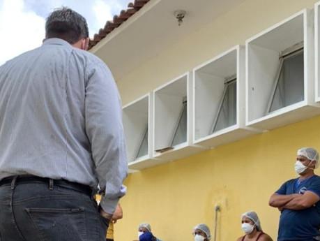 Após cobranças de Leonardo Dias, Prefeitura regulariza parte do débito com funcionários do PAM