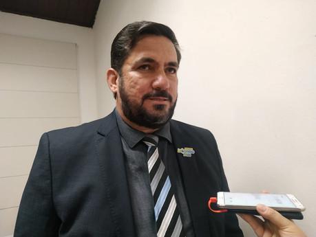 Leonardo Dias encaminha ao MPE relatório sobre situação do almoxarifado da Saúde