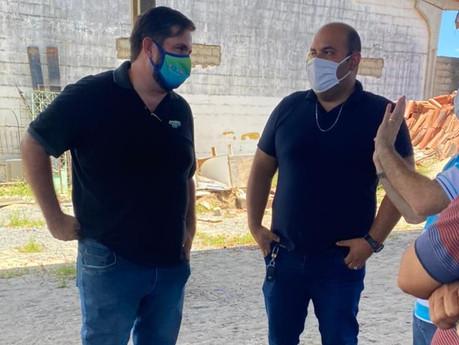 Após fiscalização de Leonardo Dias, unidades começam a receber materiais guardados em almoxarifado