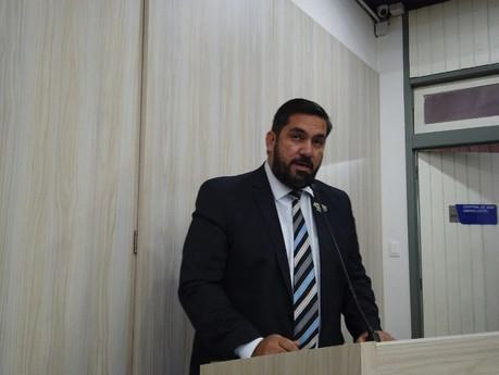 Câmara de Maceió aprova solicitações de Leonardo Dias para melhorias no Mercado da Produção