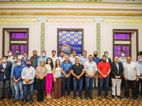 Leonardo Dias se reúne com vereadores e prefeito eleito e destaca debate propositivo