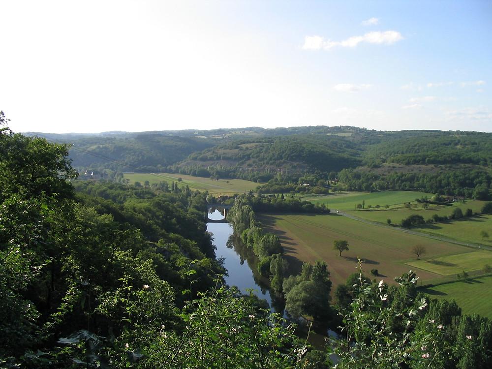 La Vallée de la Vézère au niveau d'Aubas