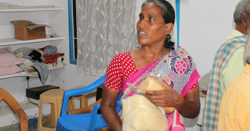 Blind people helps  (4).JPG