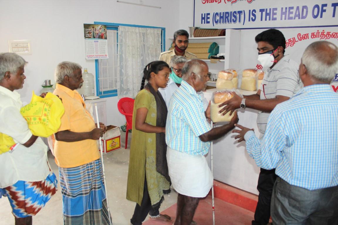 Blind people helps  (3).JPG