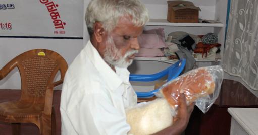 Blind people helps  (10).JPG