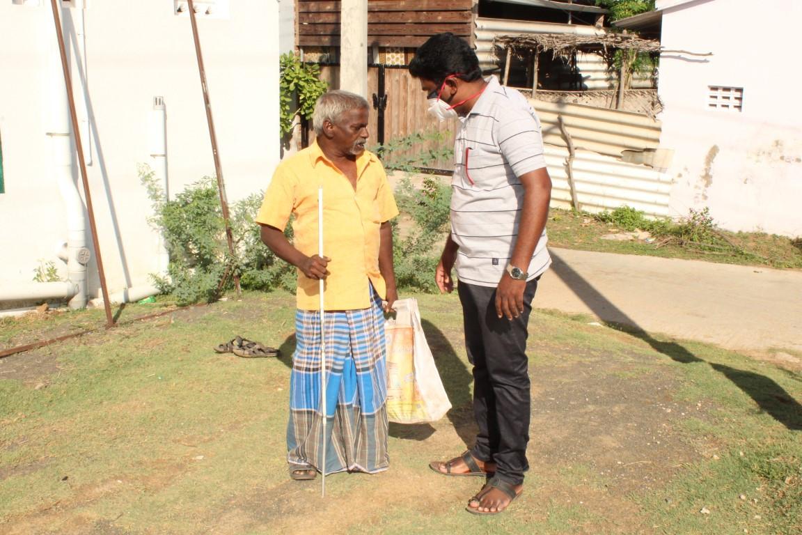 Blind people helps  (6).JPG