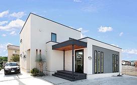 ジョイホームデザインの施工例セレクション-美容室を併設したリゾートハウス