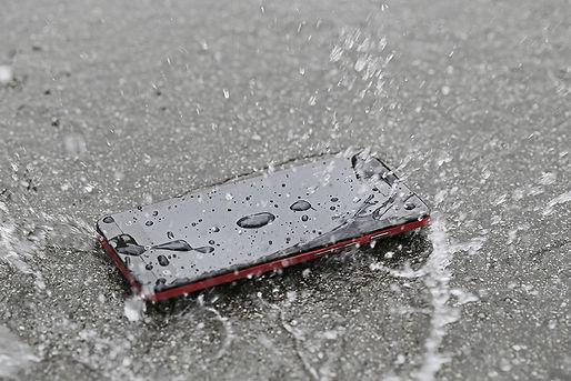 iPhone水没修理。富山県のiPhone修理専門店