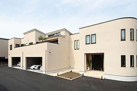 ジョイホームデザインの施工例セレクション OurWorks-06 ウォーターガーデンのある二階リビングのある家、自由設計注文住宅