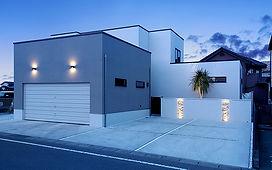 ジョイホームデザインの施工例セレクション-バーカウンターのある家