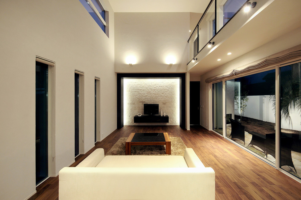 PW04-プライベートな中庭を望む家