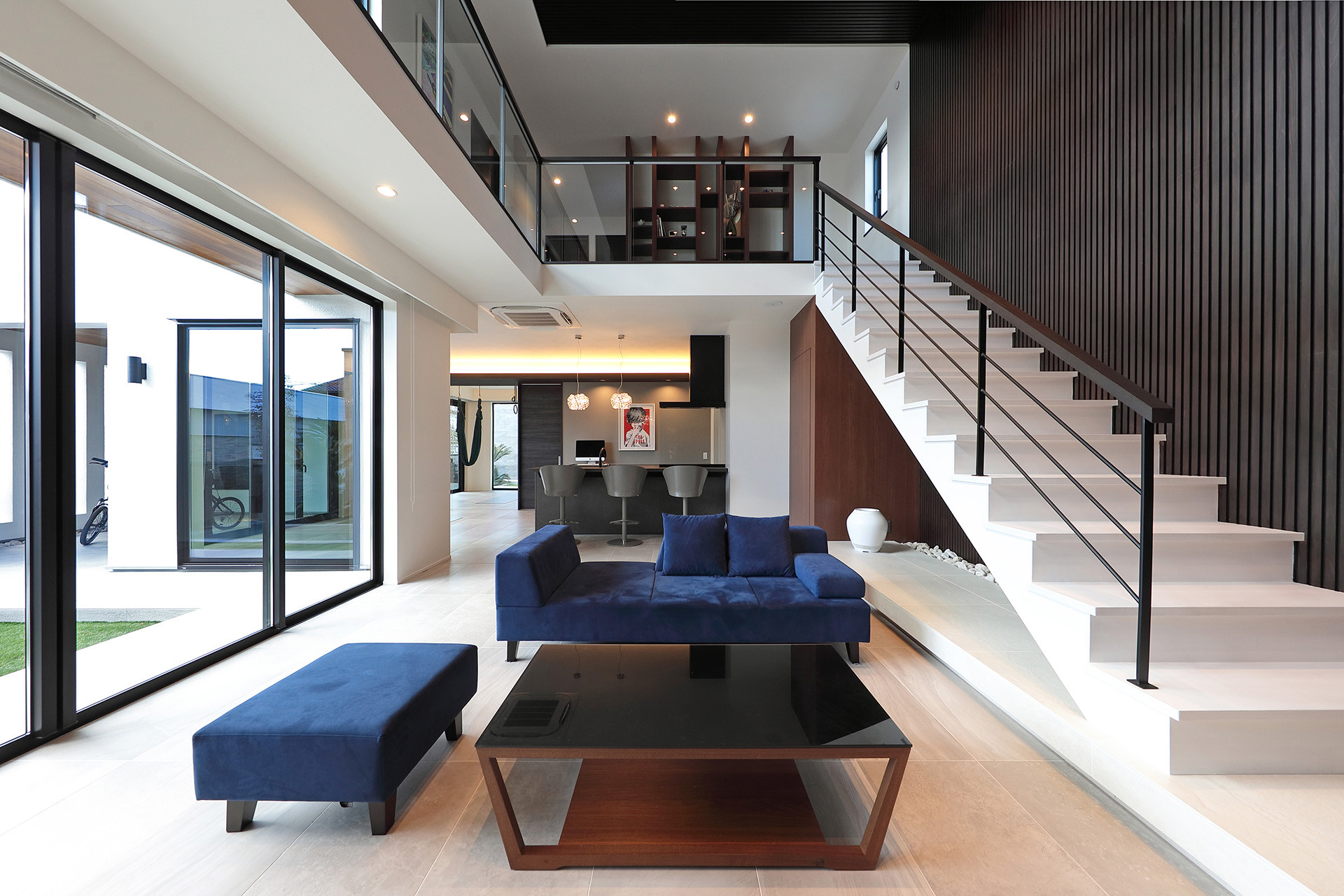 pw17_ウォーターガーデンを眺めながらヨガを愉しめる邸宅