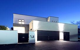 ジョイホームデザインの施工例セレクション-プライベートな中庭を望む家