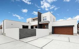 ジョイホームデザインの施工例セレクション-光と風に、素材の息吹が調和する邸宅