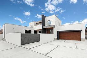 ジョイホームデザインの施工例セレクション OurWorks-01 光と風に、素材の息吹が調和する邸宅