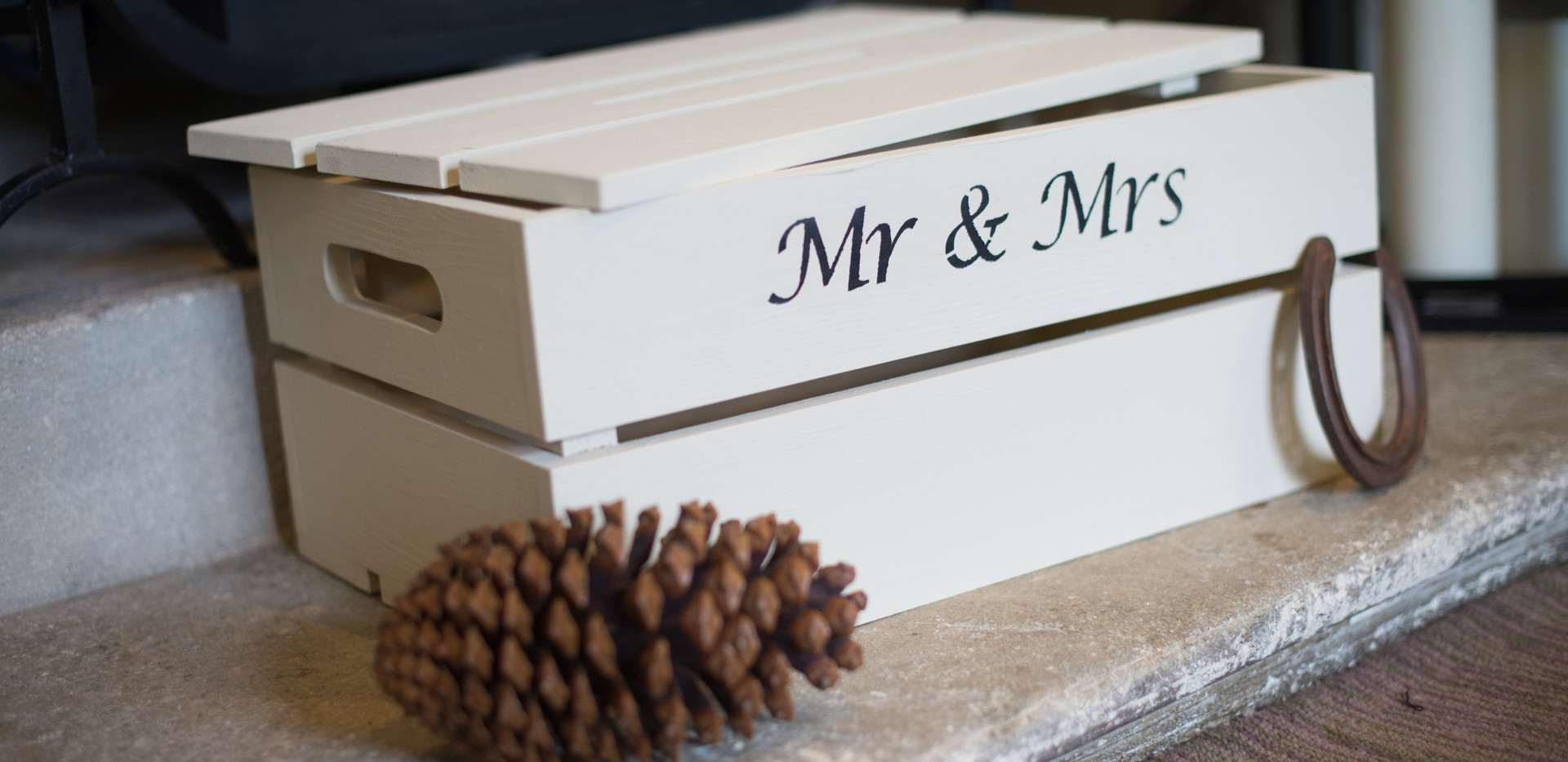 Mr and Mrs Wedding Crate
