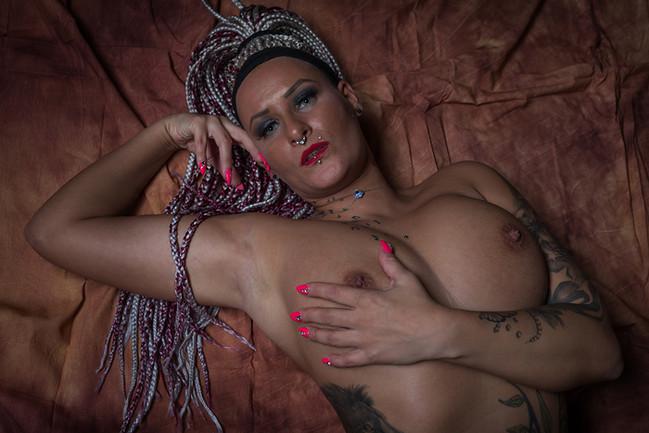 Model: Emjay Rosso
