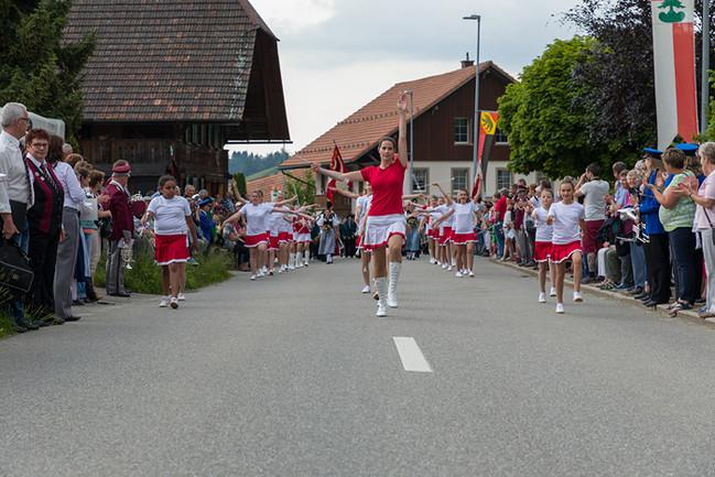 27_majoretten_auftritte2018_5656.jpgMarschmusikparade LandiswilMarschmusikparade Landiswil