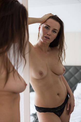 Model: Veronika V