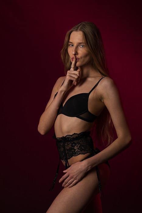 Model: Nimfa Kity