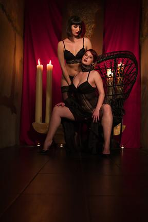 Model: Stefanie & Anika