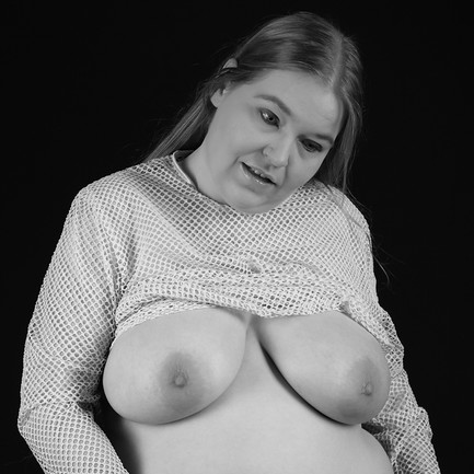 Model: [Daniela]:)