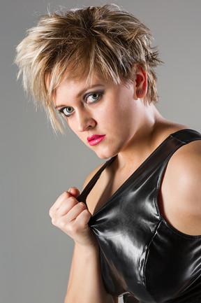 Model: Anna le Chat