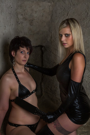 Model: Sarah, Andrea