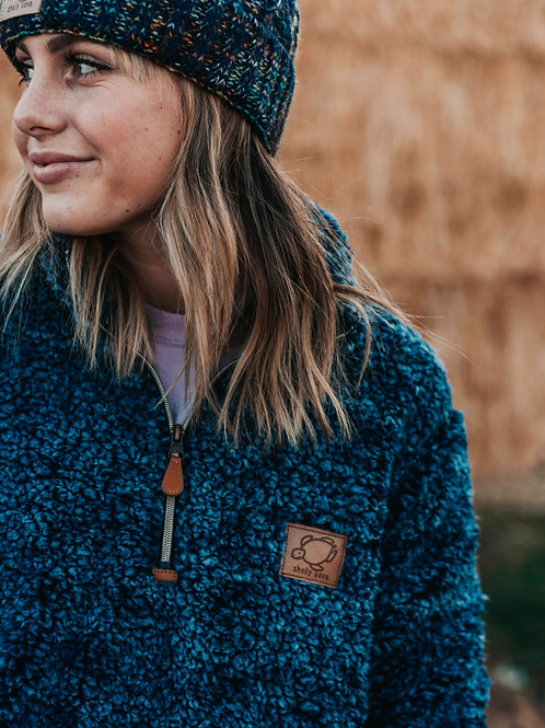 Shelly Cove, Frosted Navy Sherpa