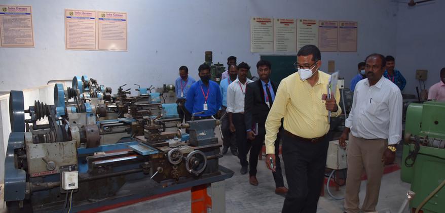 22. Special Machines Lab.JPG