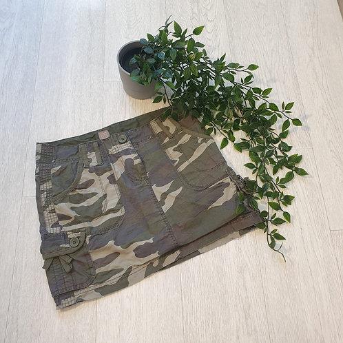 🌸Tu camouflage mini skirt. Size 8