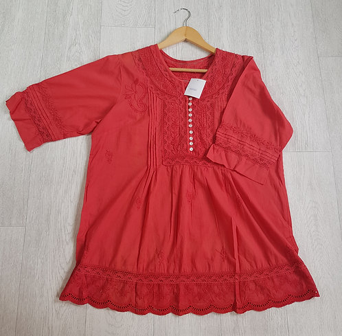 🔵Brick red summer blouse with crochet and button detail size M-L