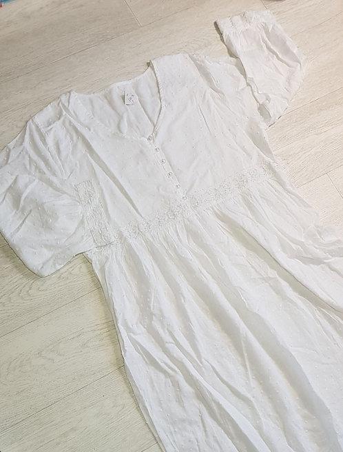 Museum Selection white night dress size M