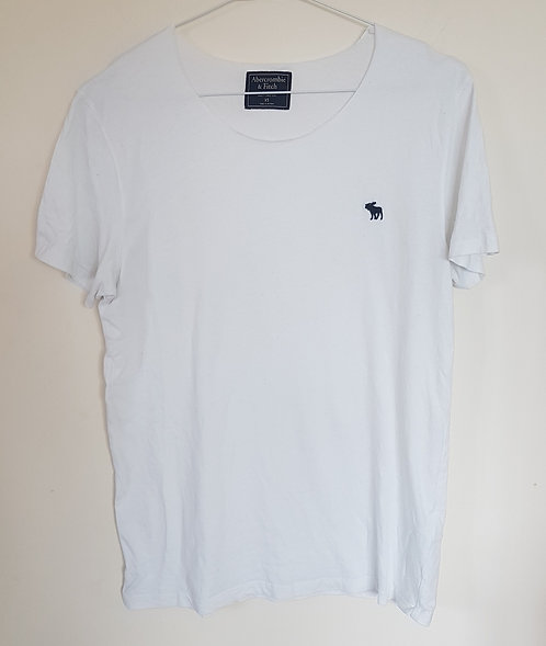 ABERCROMBIE & FITCH. White short sleeve top. Size XS.