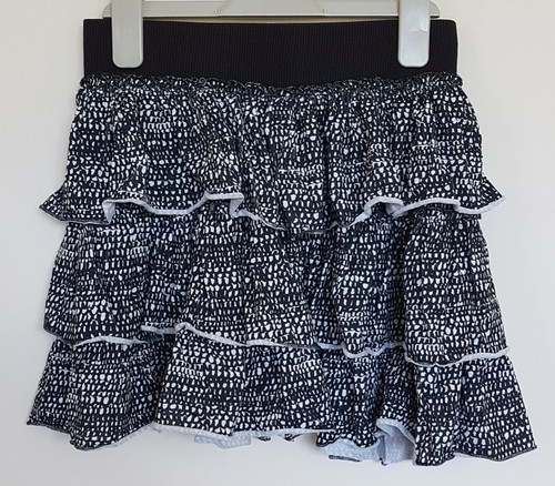 a5e745e19d8 Matalan. Black and white patterned skirt. Age 12yrs.