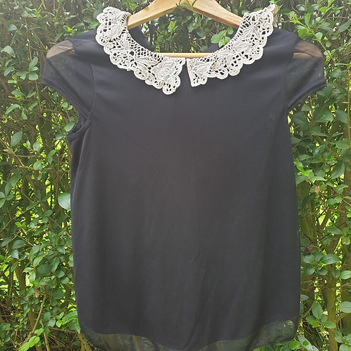 🧡black chiffon top with collar. Size 8