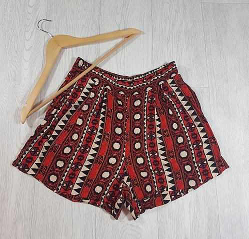 ✴H&M womens red tribal shorts size Euro 38