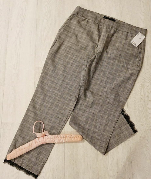 ⚫Zara basic check trousers with lace hem. Size XL