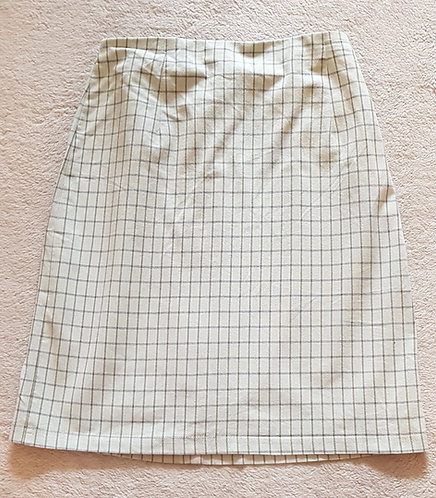 MARKS AND SPENCER ST MICHAEL Pale mint green skirt. Zip at back. Size 12