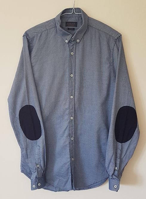 ZARA. Blue shirt with elbow pads. Slim fit. Size M.