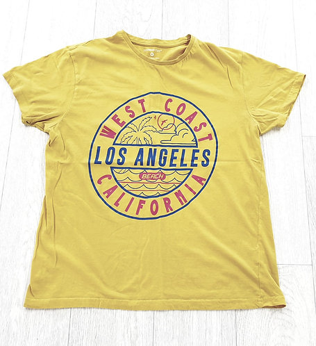 Cedar Wood State yellow t-shirt. Size M